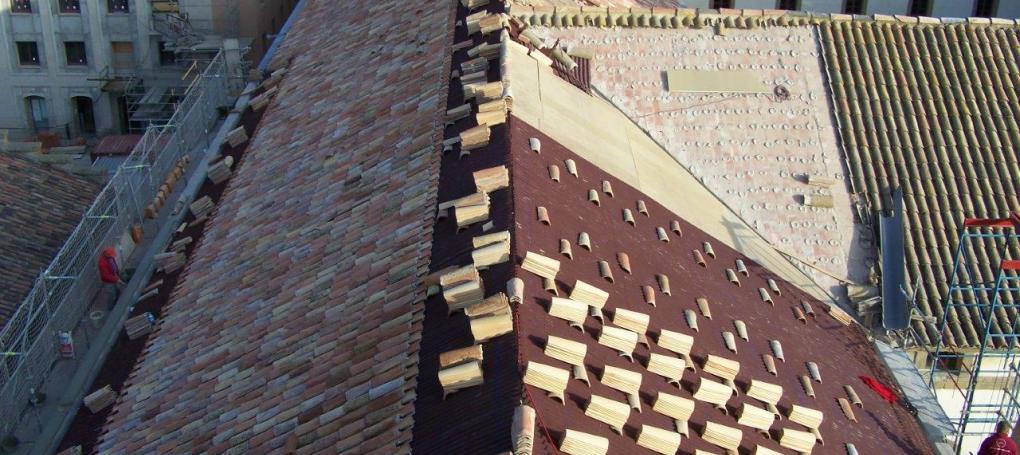 Rehabilitación y aislamiento cubierta e impermeabiliación tejado Universidad Cervera