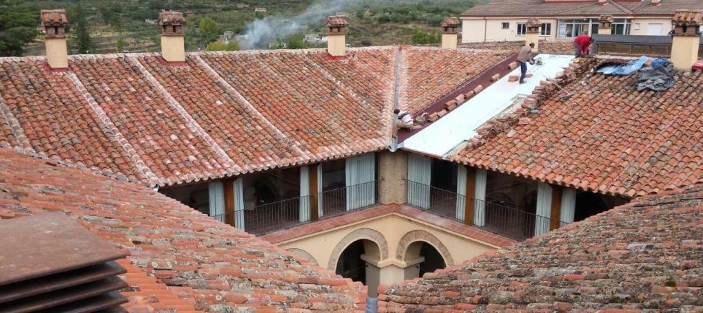 Rehabilitacion cubierta e impermeabiliacion tejado Hospederia Ambroz