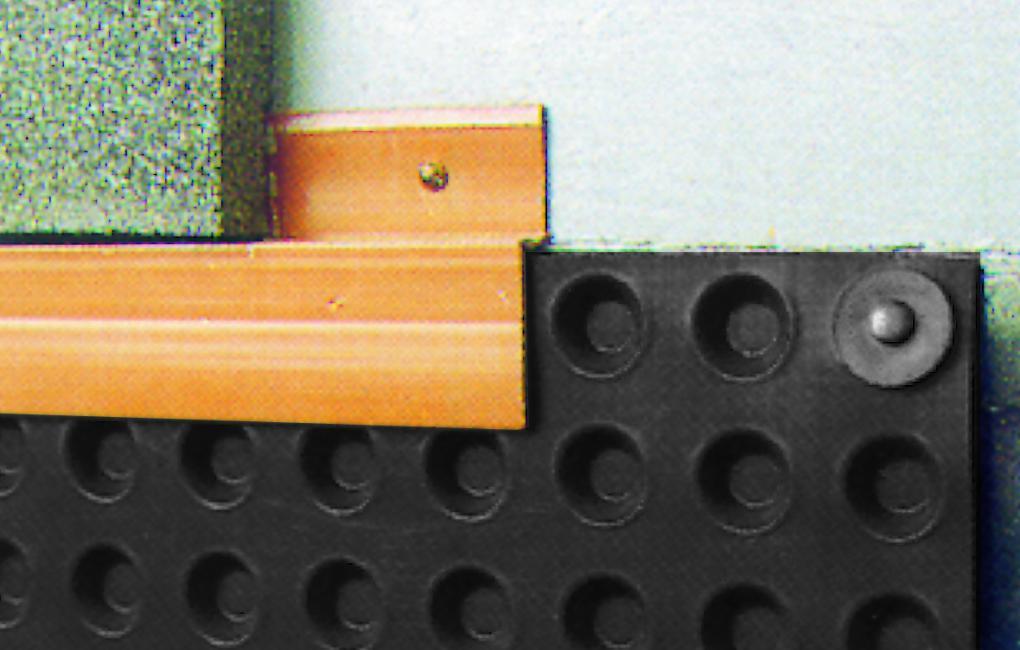 Instalación perfil angular lámina drenante FONDALINE