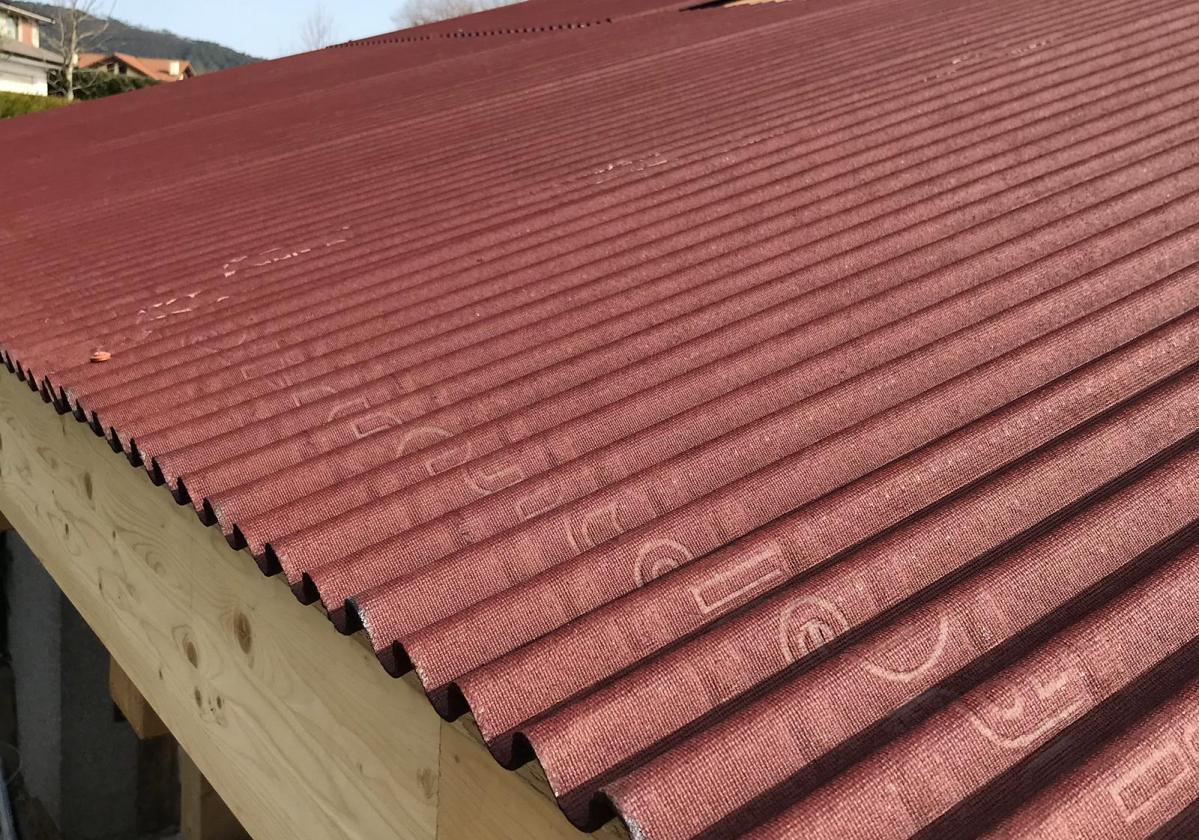 Obra nueva: Impermeabilización de tejado con placa asfáltica Onduline Bajo Teja DRS BT50