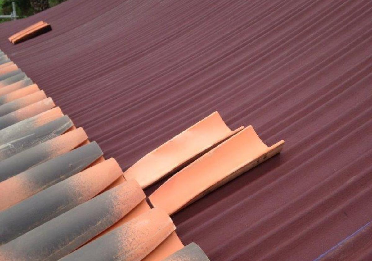 Rehabilitación e impermeabilización tejado Convento Dominicas con placa asfáltica Onduline Bajo Teja BT200 y teja La Escandella