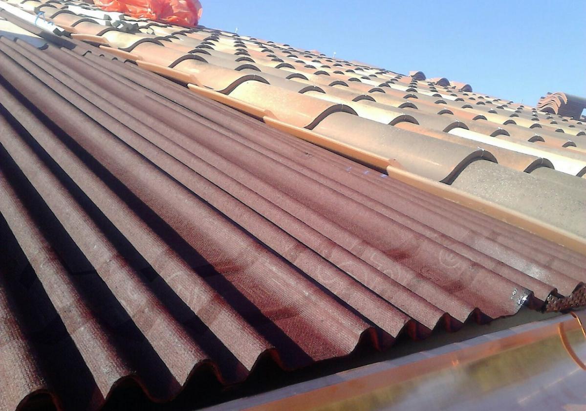 Rehabilitación e impermeabilización tejado Monasterio San Jerónimo con placa asfáltica Onduline Bajo Teja BT150 y teja verea s