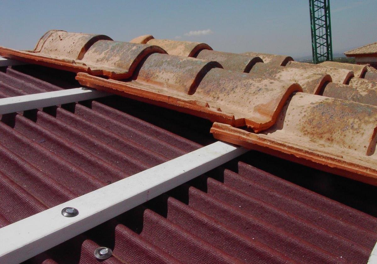 Arandela PVC Fijación placa asfáltica Onduline Bajo Teja - Detalle clavo espiral listón