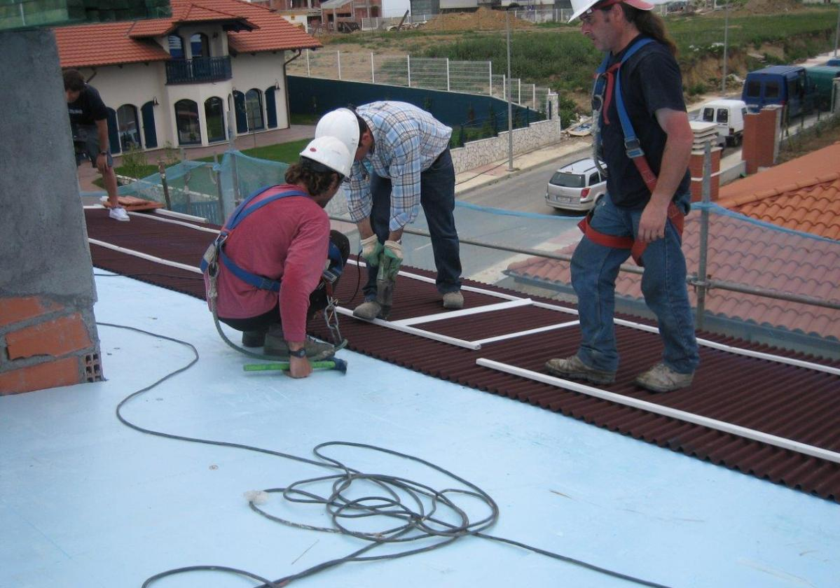 Broca SDS cerámica Clavo Nylon Onduline 8 y 13cm - detalle instalación tejado