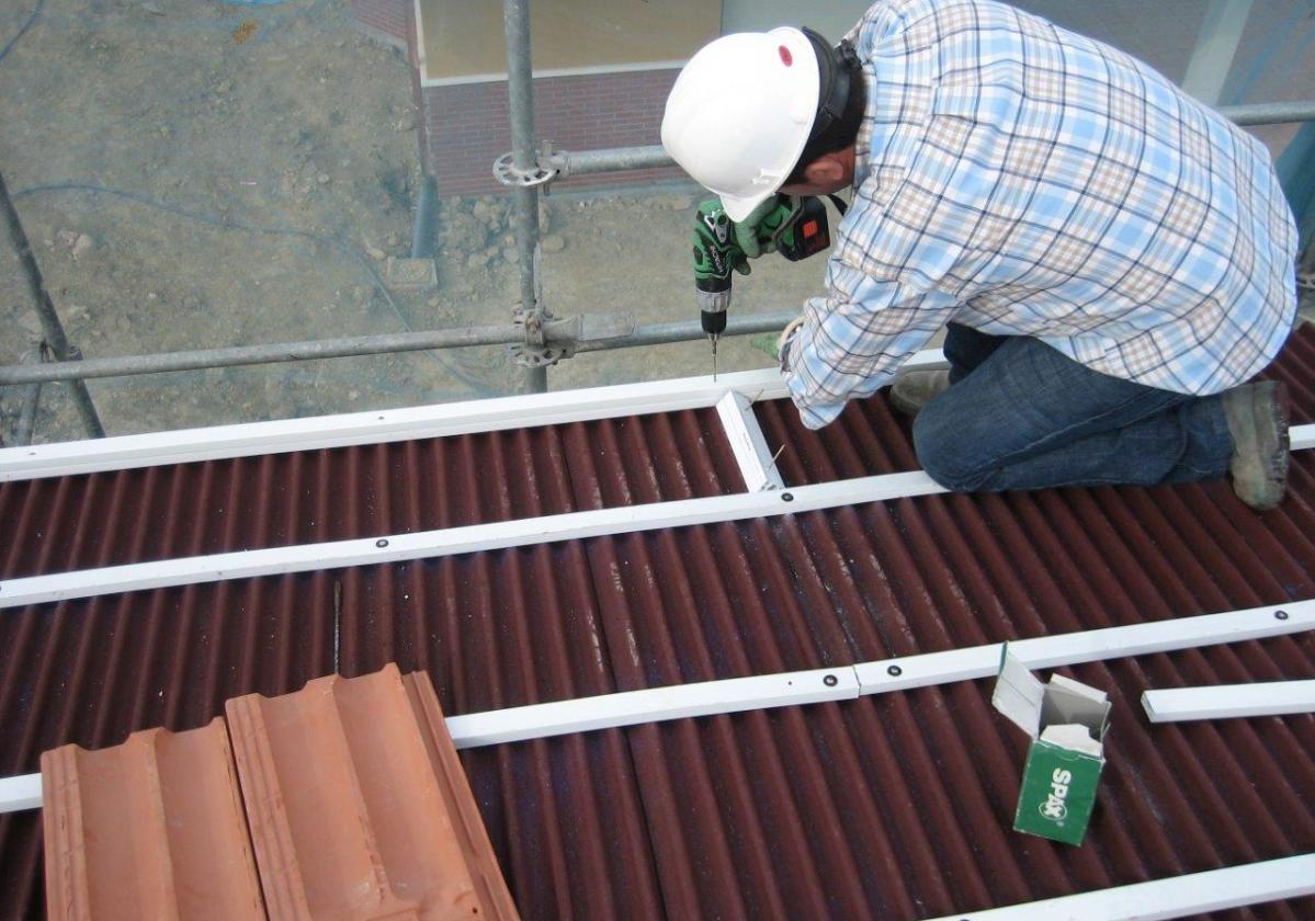 Broca SDS hormigón clavo taco Onduline 7, 9 y 13cm - detalle instalación tejado