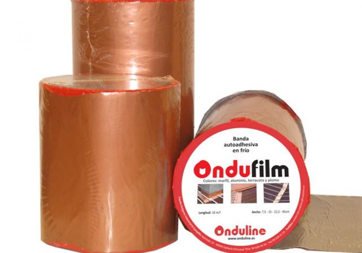 Cinta butilo impermeable sellado cubierta impermeabilización tejado ONDUFILM detalle remate tejado ONDUFILM