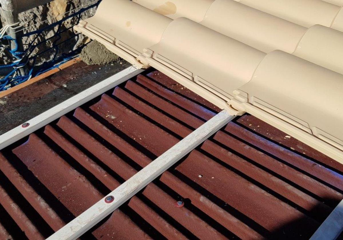 Clavo taco fijación Placa Asfáltica Onduline Bajo Teja cubierta forjado hormigón - detalle instalación teja mixta