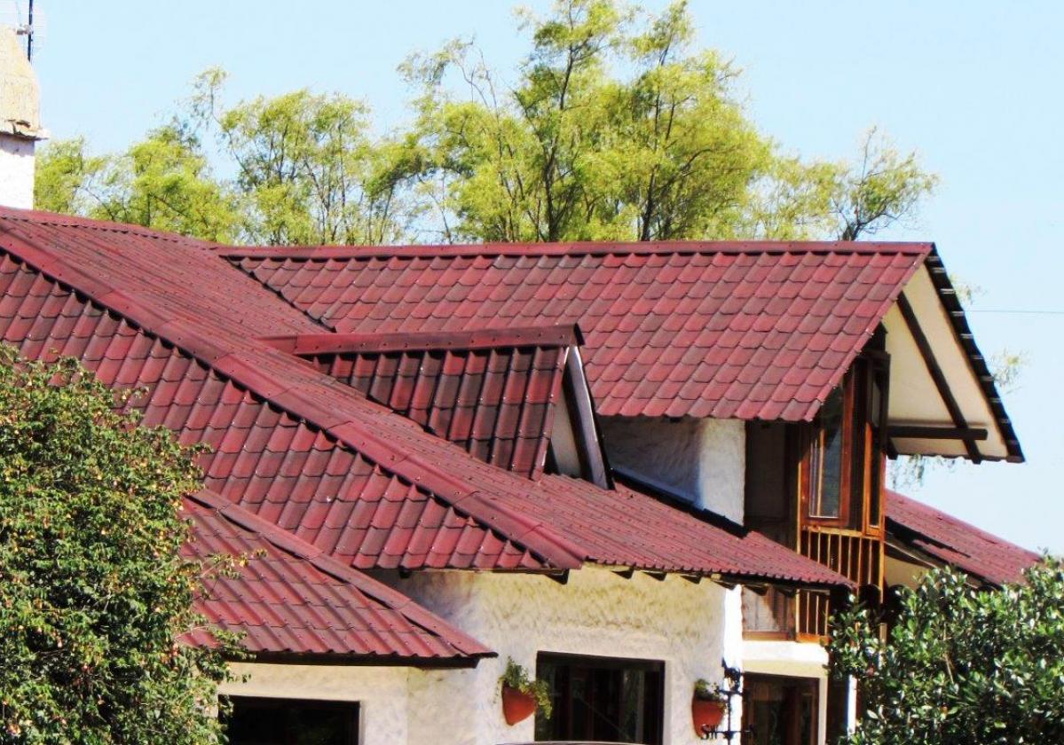 Cumbrera estándar teja asfáltica ligera ONDUVILLA - detalle acabado remate limatesa color rojo