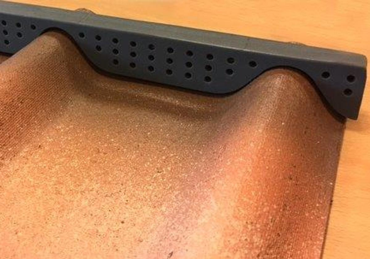 Foam alero cumbrera teja asfáltica ligera ONDUVILLA - remate alero ventilado - detalle colocación cumbrera primer paso