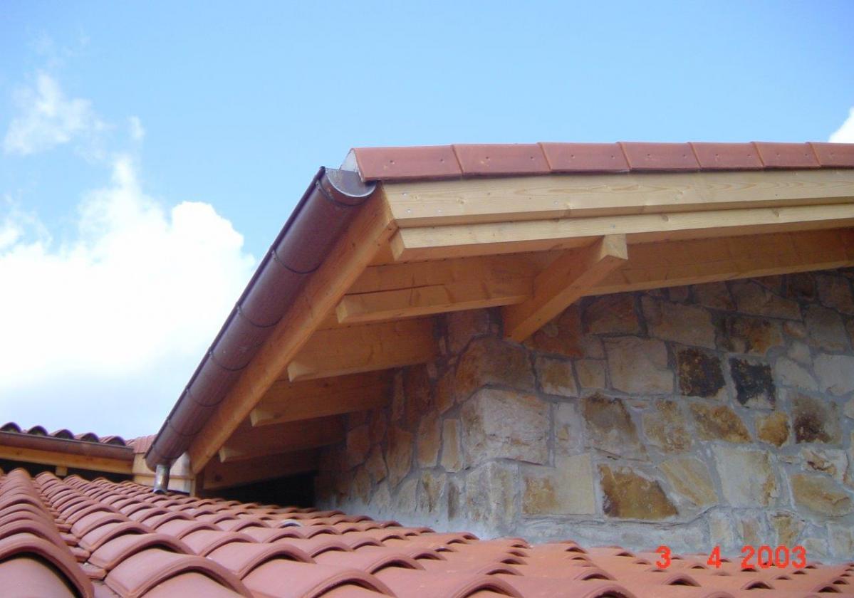 Remate madera panel sandwich cubierta ONDUTHERM - detalle general cierre perimetral tejado