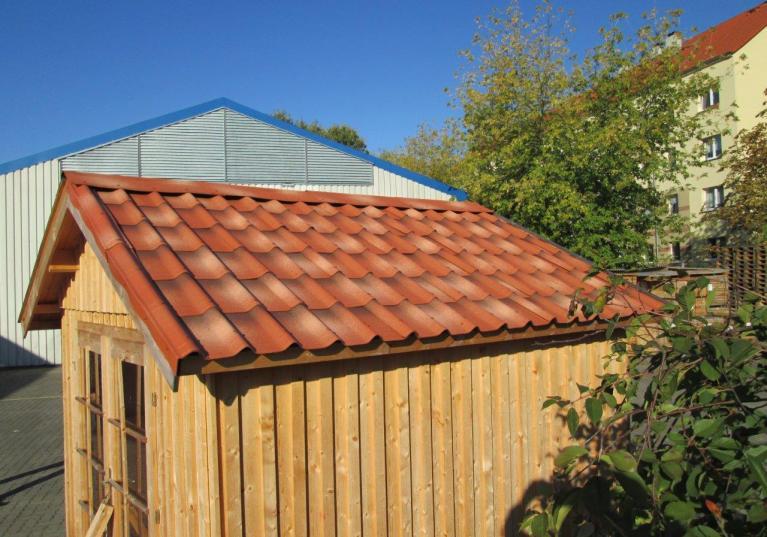 Teja Bituminosa ligera ONDUVILLA para techos y casetas de madera